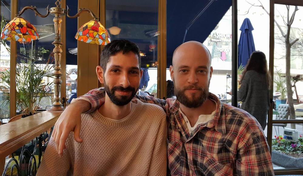יוסי בראומן (מימין) ואלעד בן אלול. ״הסדרה הפכה למכשיר תיעוד של המאבק, אבל גם לכלי במאבק. היא שופר לאירועים שקורים בזמן אמת״. צילום: יונית נעמן