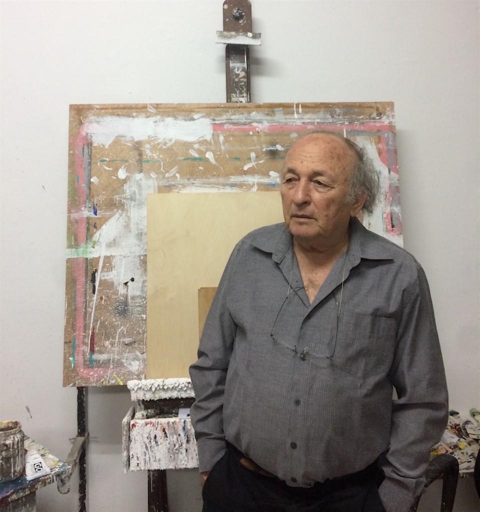 יאיר גרבוז בסטודיו בביתו אשר ברמת גן, 30.03.17. ״צריך איכשהו לשאול - מה הם רוצים? למה רצו לעשות לי לינץ׳? איזה צדק לינץ׳ יכול להביא?״ צילום: העוקץ, cc by-nc