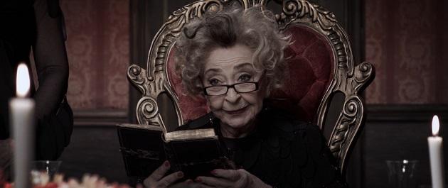 """ליה קניג ב""""המועדון לספרות יפה של הגברת ינקלובה""""' סרטו של גלעד אמיליו שנקר"""