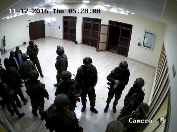 חיילים באוניברסיטת כדורי בטולכרם. צילום: מצלמות האבטחה