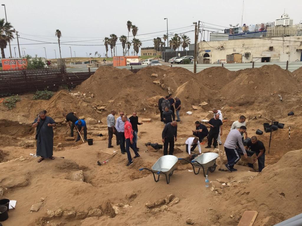 השחתת בית הקברות בצפון יפו, 25.04.18