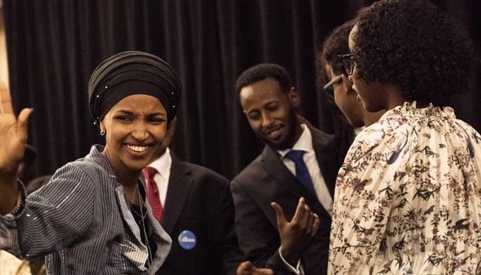 אילהאן עומאר, סומאלית-אמריקאית, נבחרה לבית הנבחרים מטעם מדינת מינסוטה